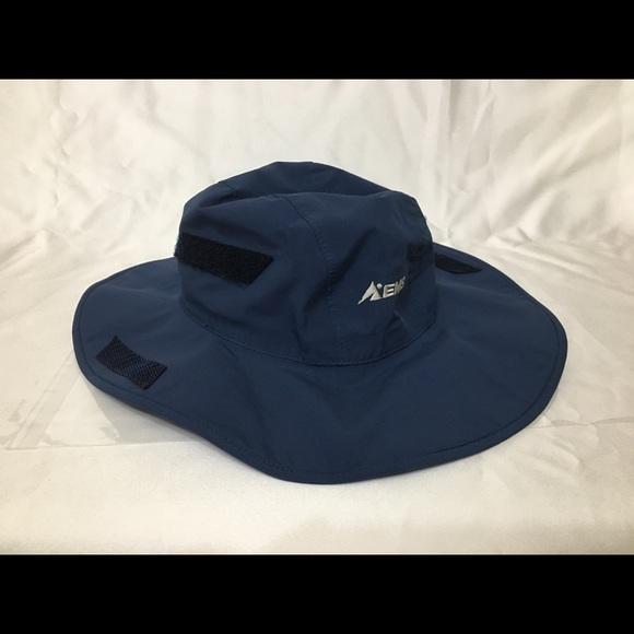 05c1d8841 Eastern Mountain Sports stowaway Gore-Tex hat